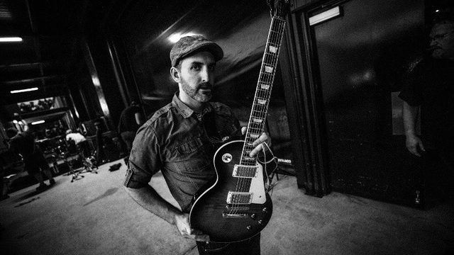 Nashville session guitarist Andrew Timothy backstage with his Les Paul
